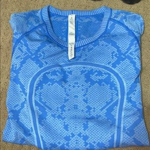 Lulu lemon blue snakeskin long sleeve